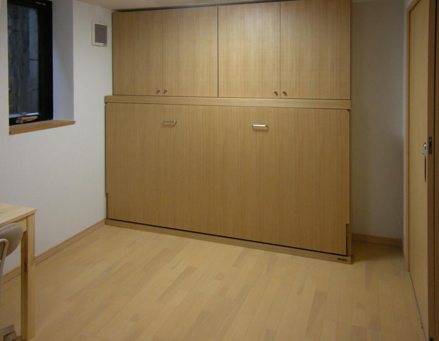 壁面収納ベッド横型上置付T様閉
